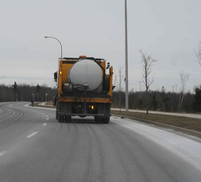 truck applies brine